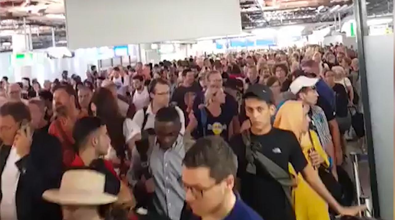 Deel luchthaven Frankfurt ontruimd