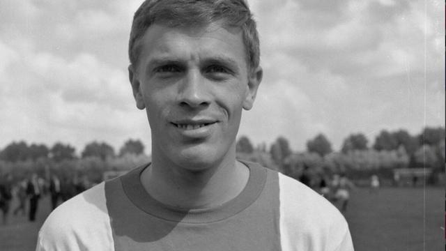 Voormalig Ajax-aanvoerder Frits Soetekouw (80) overleden