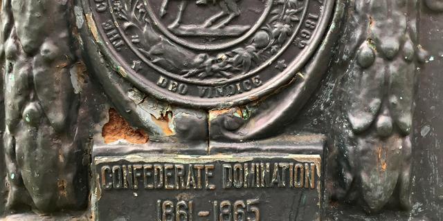 New Orleans verwijdert 'racistisch monument' onder strenge beveiliging