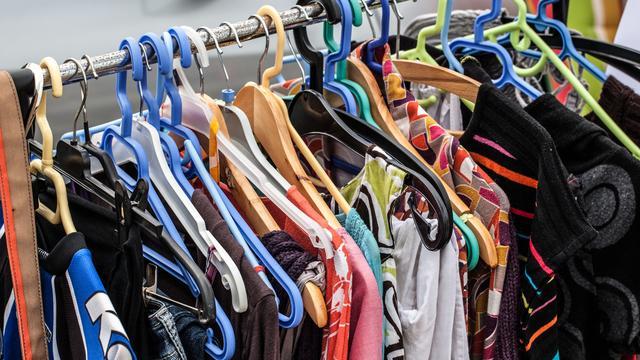 Vinted neemt Nederlandse kledingstart-up United Wardrobe over