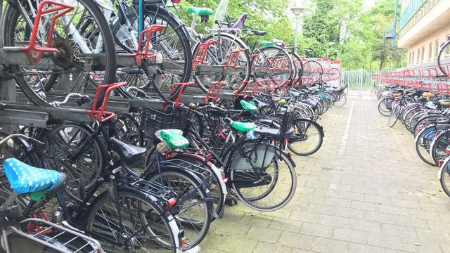 Nieuw fietsdepot naast station Haarlem voor foutgeparkeerde fietsen