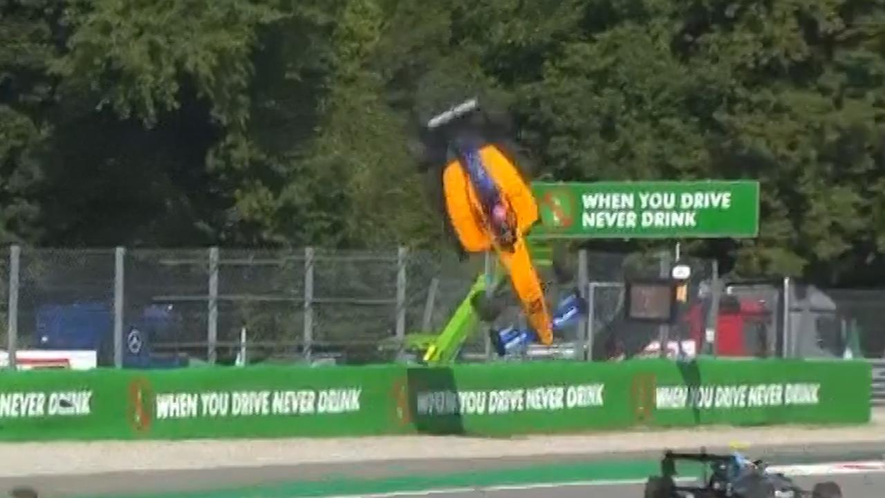 F3-coureur Peroni crasht op bizarre wijze in Monza