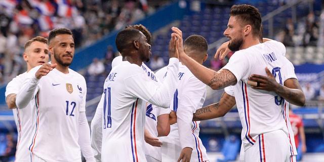 Frankrijk wint simpel van Bulgarije, maar ziet Benzema geblesseerd uitvallen