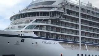 In nood geraakt cruiseschip komt aan in Noorse haven