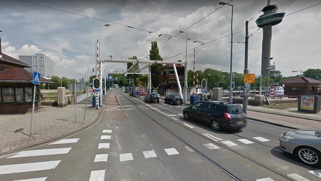 Parksluizen Rotterdam dicht voor scheepvaart tijdens spits