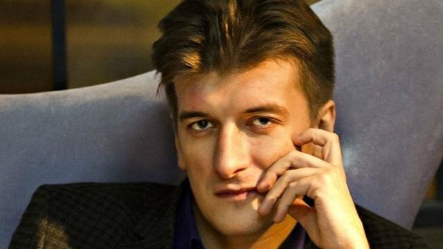 Russische onderzoeksjournalist sterft na mysterieuze val van balkon