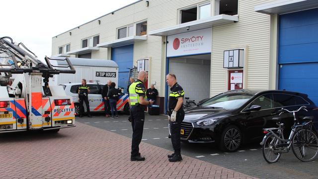 Verdachte liquidatiepoging spyshop Amsterdam blijft vastzitten
