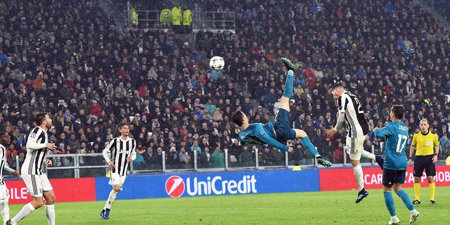 UEFA kiest omhaal Ronaldo als mooiste goal van seizoen