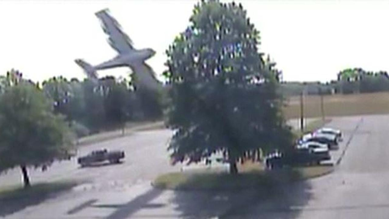 Piloot overleeft vliegtuigcrash in Amerikaanse staat Connecticut