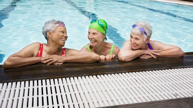 'Zwaardere lichaamsbeweging kan levensduur vrouwelijke senioren verlengen'