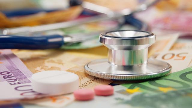 3,3 miljard reserves niet ingezet voor zorgpremies