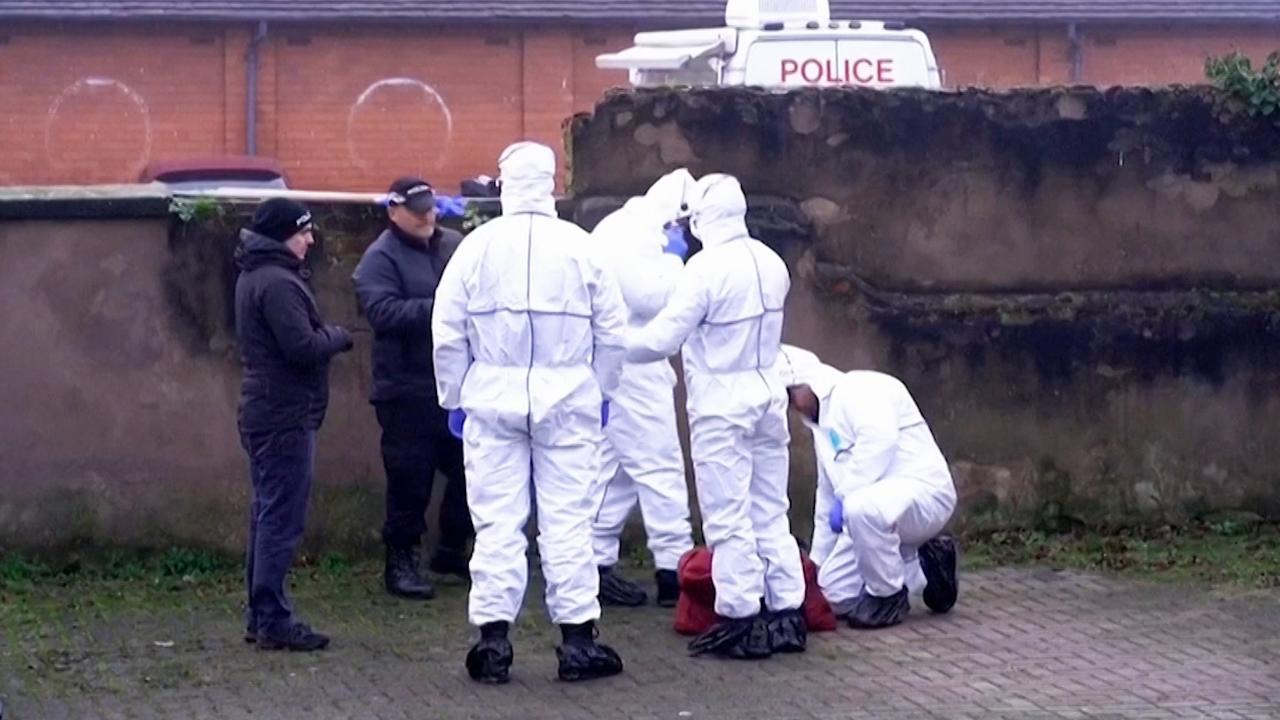 Forensisch team onderzoekt huis dader van steekpartij Londen