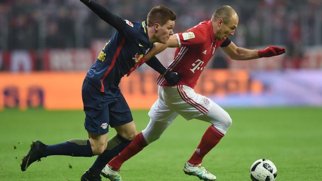 Robben winterkampioen met Bayern na eenvoudige zege op Leipzig