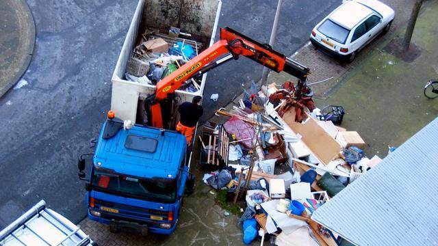 Grofvuil in Amsterdam volgend jaar alleen op afspraak opgehaald