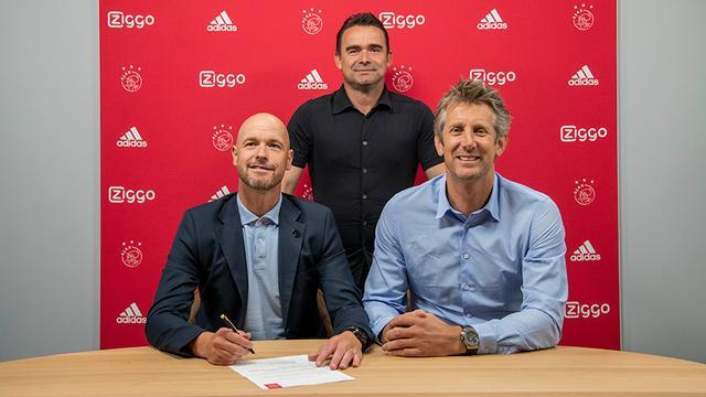 Ajax verlengt contract van trainer Ten Hag met twee jaar