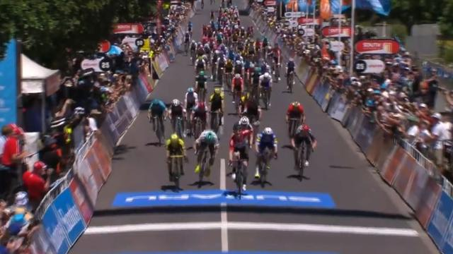 Greipel als eerste over de finish na massasprint in Tour Down Under