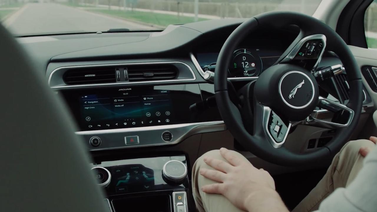 Zelfrijdende auto kan 'leren sturen als een mens'