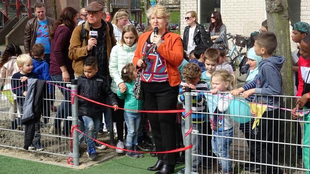 Hele buurt speelt in nieuwe Pareltuin in Middelburg