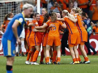Nederland plaatst zich dankzij knappe 2-0 winst voor halve finale EK