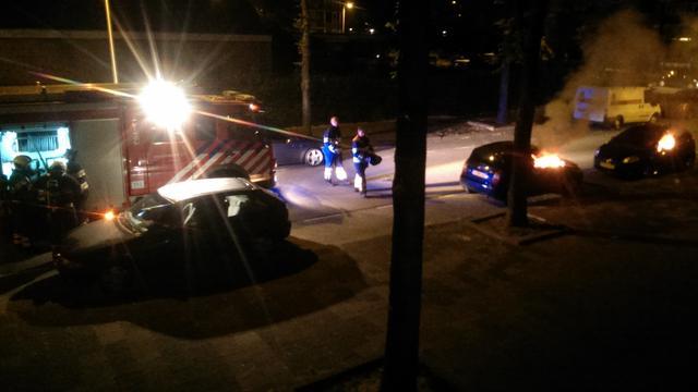 Twee auto's uitgebrand in Utrecht Overvecht