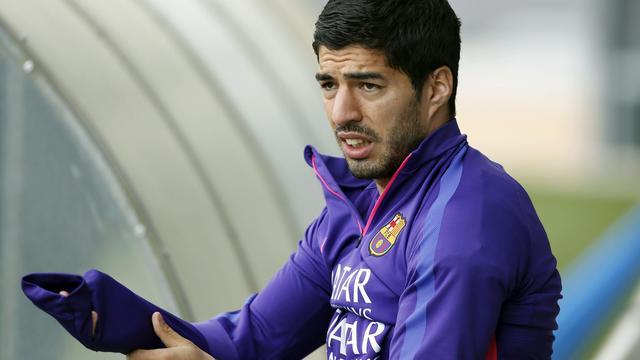Suarez lijkt op tijd fit voor bekerfinale Barcelona