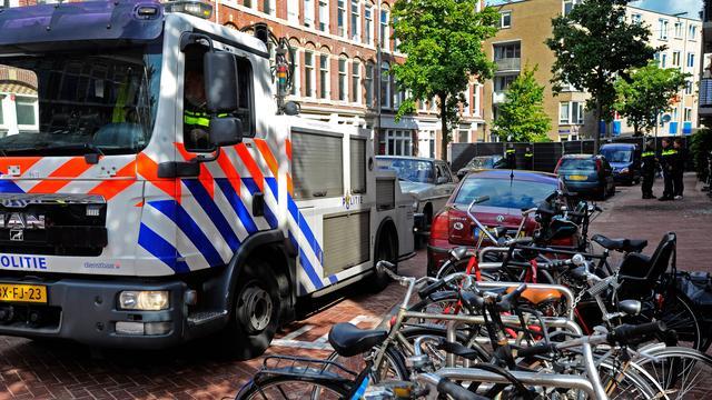 Schade aan woningen Amsterdam door explosie