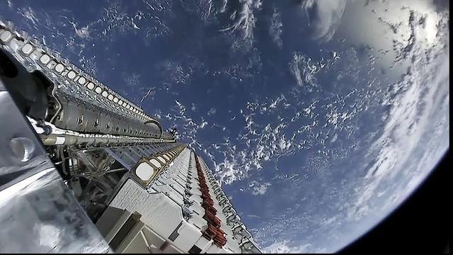 Contact met drie van de zestig breedbandsatellieten van SpaceX verloren