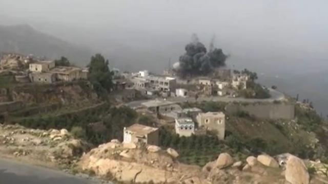 Grafmonument oprichter Houthi's vernietigd bij luchtaanval Jemen