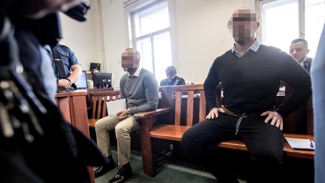 10 tot 18 jaar cel geëist voor Nederlanders na aanval op ober in Praag