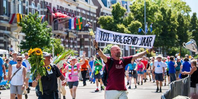 Waarom mensen voor hun plezier 200 kilometer lopen