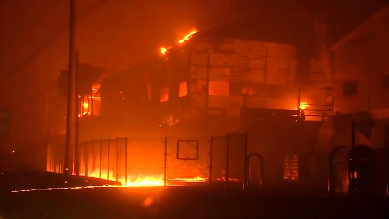 Zuid-Koreanen opgevangen in sporthal na grote bosbrand