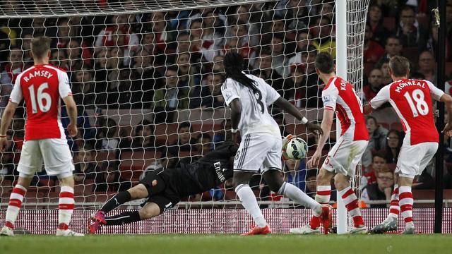 Arsenal lijdt dure thuisnederlaag tegen Swansea City