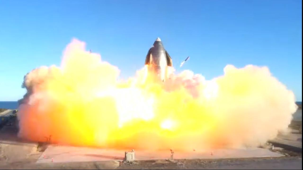 Amerikaanse luchtvaartautoriteit rondt onderzoeken naar crashes bij SpaceX af - NU.nl