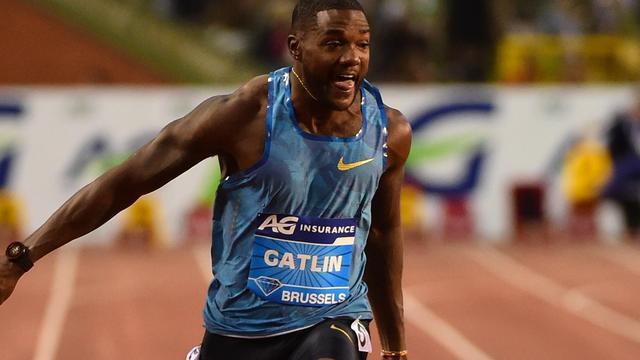 Gatlin duikt in Japanse tv-show met wind mee onder wereldrecord Bolt