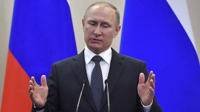 Poetin staat open voor samenwerking met Macron