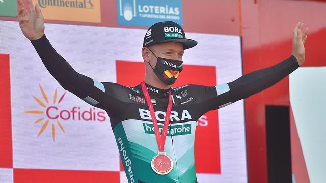 Ackermann wint negende etappe in Vuelta na declassering Bennett