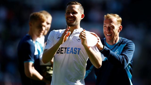 Everton verbreekt clubrecord voor Sigurdsson en laat Barry gaan