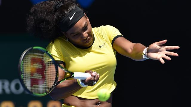 Serena Williams zegeviert bij rentree, ook Djokovic door in Melbourne