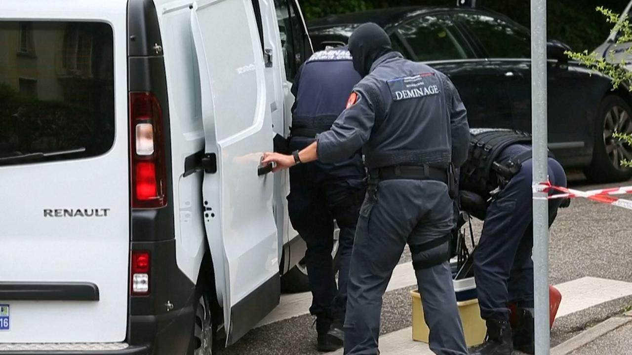 Politie onderzoekt woning verdachte bomaanslag Lyon