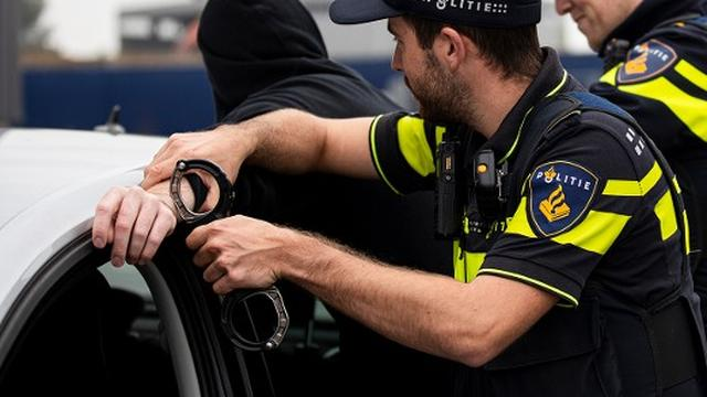 Politie trekt wapens bij aanhouding op Westelijke Randweg in Haarlem