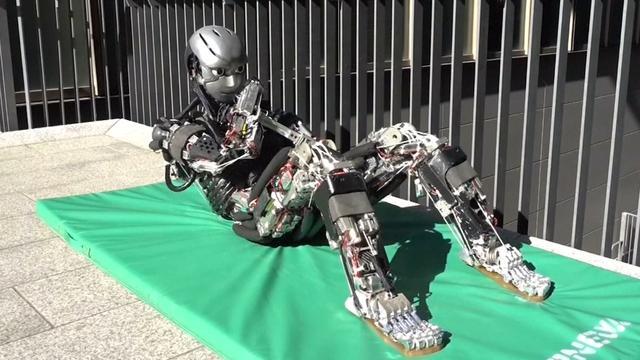 Humanoïde robot met 174 gewrichten kan bewegingen mens imiteren