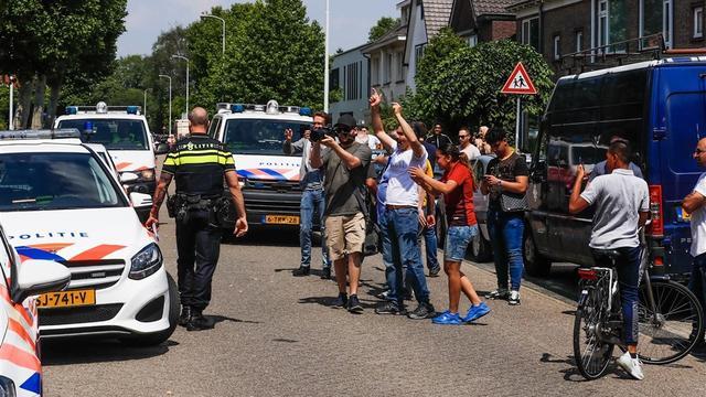 Politie breekt Pegida-manifestatie Eindhoven af, aanhangers aangehouden