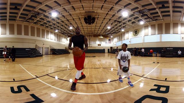 Basketballer LeBron James brengt korte vr-film uit