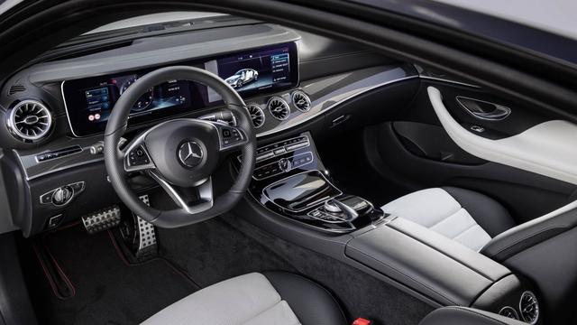 Flink meer winst in tweede kwartaal voor moederbedrijf Mercedes-Benz