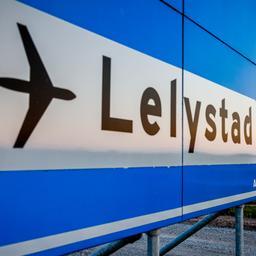 Nieuw plan minister moet maatschappijen naar Lelystad Airport bewegen