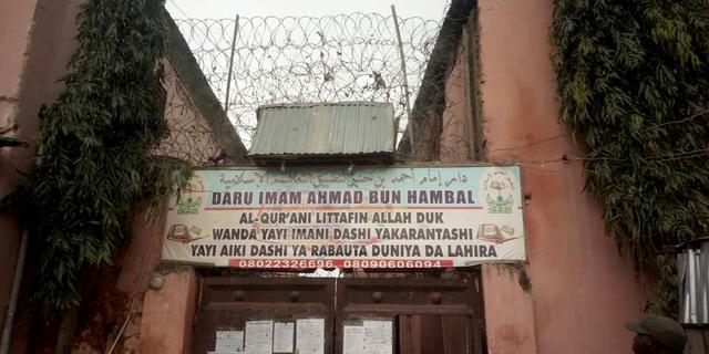 Nigeriaanse politie bevrijdt honderden jongens uit 'martelhuis'