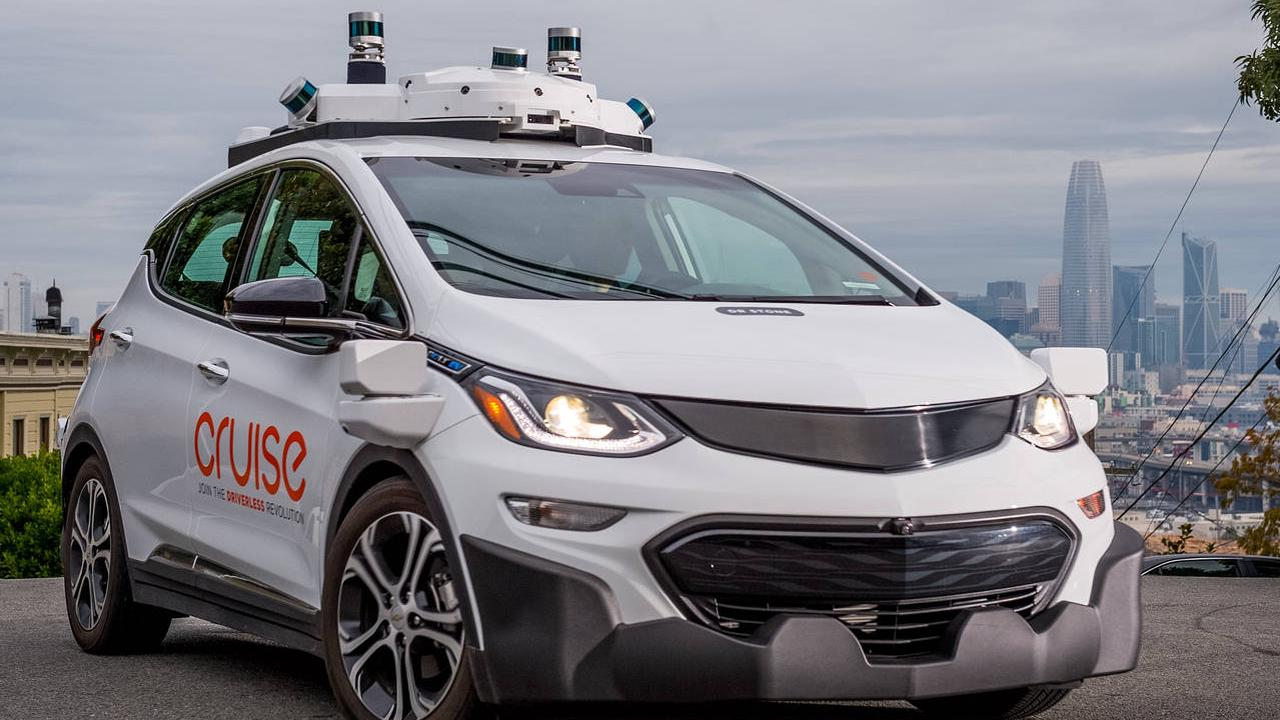Testers use autonomous Apple cars once every two kilometers