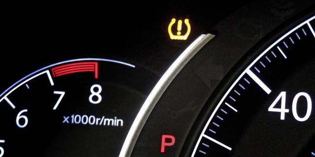 Taakstraf voor negeren waarschuwingslampjes auto en veroorzaken ongeluk