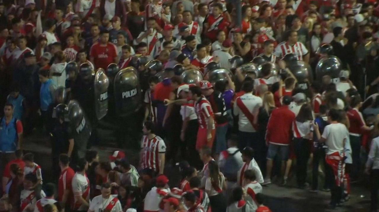 Fans River Plate en Boca botsen in Buenos Aires