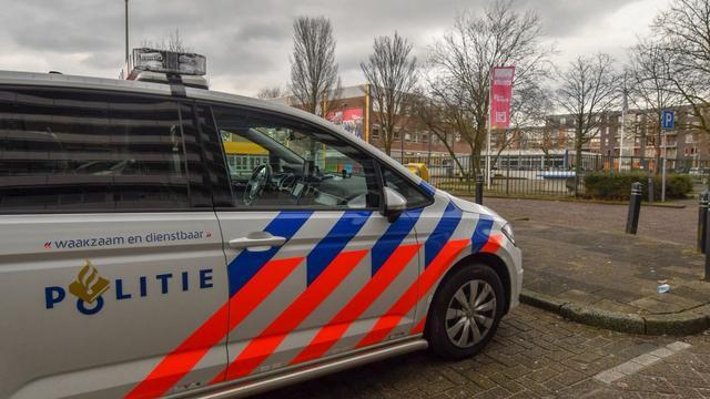 Man (44) vast na dreiging met messen op schoolplein Alphen aan den Rijn